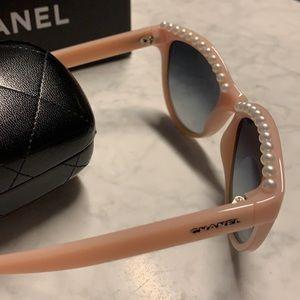 Chanel Pearl Cat Eye Sunglasses Pink 6040H